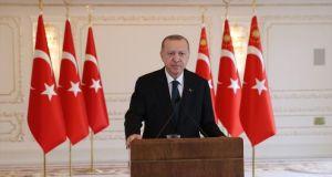 Erdoğan: Köklü Türkiye-Avrupa Birliğiilişkilerinin bir iki devletin ayak oyunlarına esir edilmesi yanlıştır