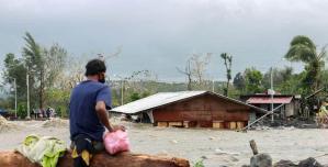 Filipinler'de sel ve toprak kaymaları: 8 meyyit