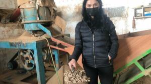 Geri dönüşüm malzemesinden soba yakıtı üretiyor: 700 liradan satmaya başladı