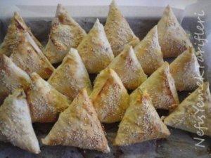 Ispanaklı Patatesli Üçgen Börekcikler Tarifi