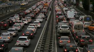 İstanbul'da şaşırtmayan görüntü: Trafik yine kilitlendi