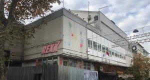 Kadıköy Belediye Başkanı'ndan Yıkılacağı İddia Edilen Rexx Sineması Açıklaması: 'Koruma Amaçlı Etrafı Çevrildi'