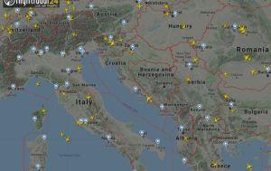 Koronavirüs nedeniyle azalan uçak trafiğinin radar görüntüleri yayınlandı