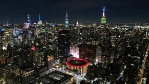 New York'ta binalar, Noel için ışıklandırıldı