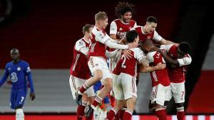 Premier Lig'de Arsenal, Chelsea'yi devirdi!