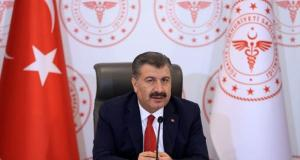Sağlık Bakanı Koca, İzmir, Trabzon, Samsun ve Hatay'da Kovid-19 seyrine ilişkin son verileri paylaştı