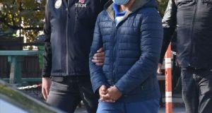 Şişli'de kız arkadaşını darp ettiğine dair görüntülerin ardından yeniden gözaltına alınan şahıs, adliyeye sevk edildi
