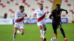 Sivasspor'un kazanamama serisi 7 maça çıktı