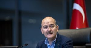 Soylu'dan Yunanistan Göç Bakanı'na düzensiz göçmenlere yönelik 'insanlık dışı muamele' tepkisi