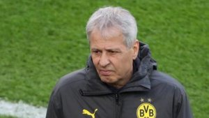 Stuttgart'a 5-1 yenilen Dortmund'da Favre kovuldu