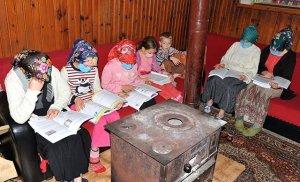 Tek Bir Telefonla Dersleri Takip Ediyorlar: 7 Kardeşin Uzaktan Eğitim Azmi