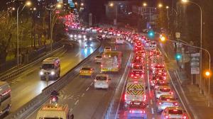 Trafik durma noktasına geldi: 15 Temmuz Şehitler Köprüsü'nde haftanın ilk iş günü trafik yoğunluğu