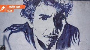 Yerin Kulağı: Bob Dylan, Kennedy suikastını 16 dakikaya sığdırdı