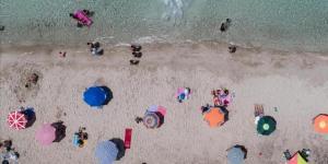 Bakan Ersoy: Turizm sezonu Nisan'da başlayabilir