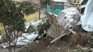 Bursa'yı hortum vurdu: Çatılar uçtu, kamyon yan yattı