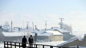 Çaldıran buz tuttu hayat durdu: Sıfırın altında 46 dereceyi gördüler