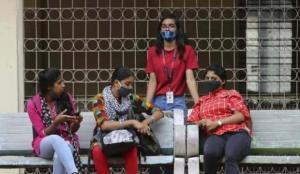 Hindistan'da Kovid-19 aşısı yaptıranların binde 1,8'inde yan etki görüldü