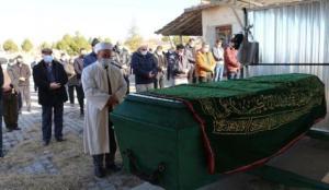 Otoparkta ölü bulunan 3 gençten Burak, Çankırı'da toprağa verildi