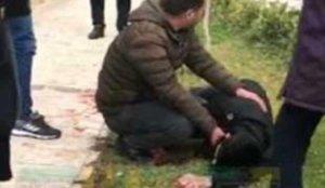 Şanlıurfa'da yolda yürürken bıçaklandı