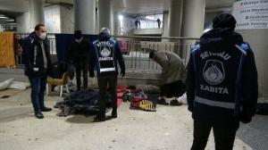 Taksim'de sokakta yaşayan evsizler otele yerleştirildi