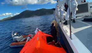 Yunan'ın ölüme terk ettiği kaçak göçmenleri, Sahil Güvenlik kurtardı