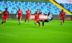 Adana Demirspor'a Yeni Adana Stadı yaramadı!