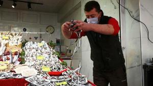 Balık fiyatlarına bolluk ayarı: Tezgahlar şenlendi vatandaş kapış kapış alıyor