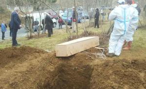 Cenazeler Karıştı; Koronavirüsten Ölen Kişiyi Görenler Karantinaya Alındı