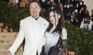 Elon Musk'ın sevgilisi Grimes'dan beyin çipi açıklaması: 'Hadi taktıralım'