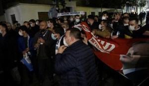Erdoğan'a AK Parti'li gençlerden İstiklal Caddesi'nde doğum günü sürprizi
