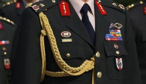 FETÖ'cü generalin rütbeleri söküldü!
