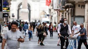 İtalya'da günlük koronavirüs vaka sayısı 12 bin 74 oldu