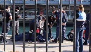 Karaköy'de denizden çıkarıldı! Korkunç…
