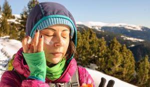 Kışın için en iyi güneş kremleri 2021! Kış aylarında neden güneş kremi kullanılır?