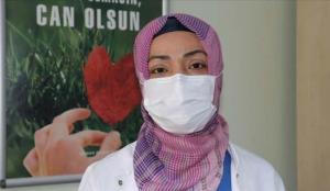Koronavirüsü atlatan hemşire: Bıçak saplar gibi tarifi imkansız sırt ve topuk ağrılarım oldu