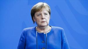 Merkel'den koronavirüs uyarısı: Kısıtlamalar gevşerse 3. dalga gelebilir