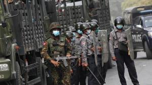 Myanmar'da darbecilerden protestoculara 'ölümcül güç' kullanma tehdidi!
