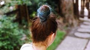 'Rapunzel Sendromu' Kadının Midesi Yırtıldı: Karnından 48 Cm Büyüklüğünde Saç Yumağı Çıkartıldı