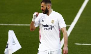 Real Madrid, Karim Benzema'ya kuşkuyla yaklaşıyor