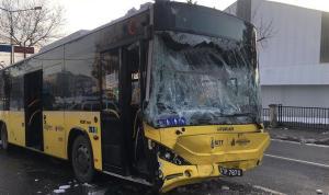 Sancaktepe'de İETT otobüsüyle minibüs çarpıştı: 7 yaralı