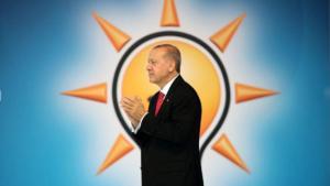 Selvi'den 'Tuzak' Açıklaması: 'Erdoğan AKP'den Koparılmak İsteniyor'