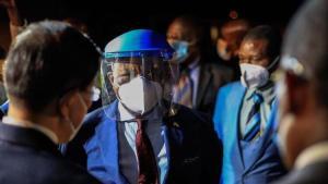 Zimbabve'de 4 bakanın Kovid-19'dan hayatını kaybetmesinin akabinde kısıtlamalar uzatıldı