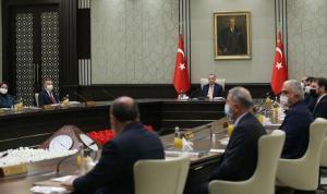 AKP'de çifte değişim beklentisi: Kabine, kongre öncesinde değişebilir