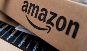 Amazon logosunu değiştirdi: Adolf Hitler'e benzetildi!