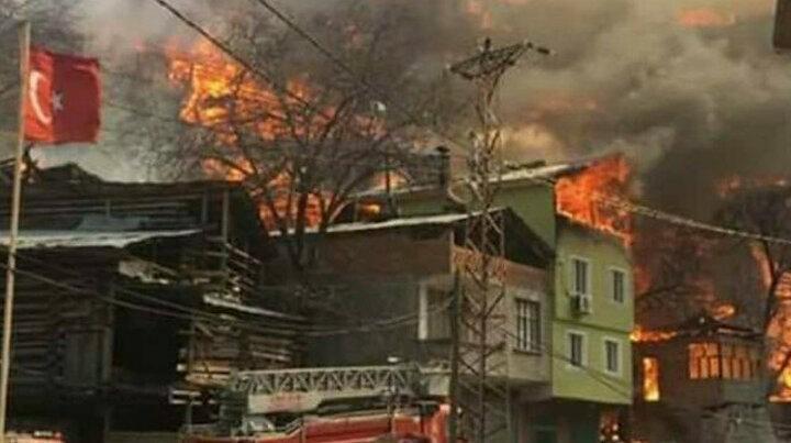 Artvin'de büyük felaket: Alevler 50 eve sıçradı bir köy cayır cayır yanıyor