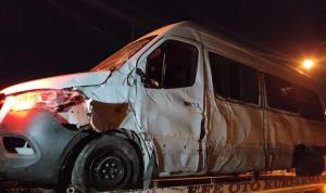 Atletizm sporcularını taşıyan minibüs kaza yaptı: 1'i ağır, 7 yaralı