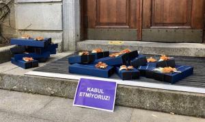 Boğaziçi protestolarında 48. gün: Kadın akademisyenler Melih Bulu'nun 8 Mart paketlerini iade etti