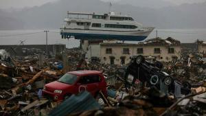 Büyük felaketin 10. yıldönümünde eski başbakanlardan 'vazgeçin' iletisi