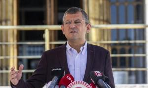 CHP'li Özel'den Bakan Koca'ya 'sağlık çalışanları' sorusu