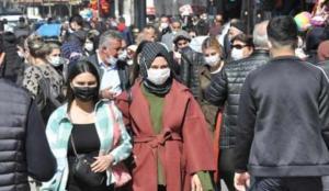Diyarbakır'da tedirgin eden kalabalık! Anonslara rağmen…
